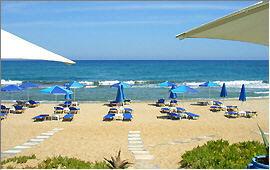 Adelianos Kampos: Strand vor der ''Blue Sky'' Strandbar